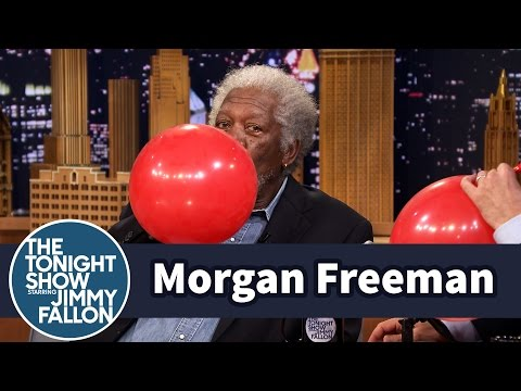 Morgan Freeman Chats with Jimmy While Sucking Helium (видео)