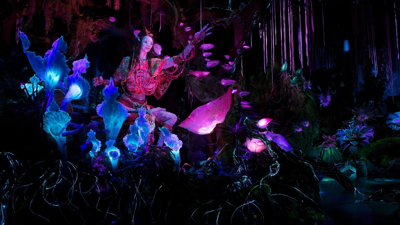 Shaman of Songs on Na'vi River Journey in Pandora - The World of Avatar