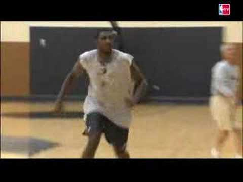 Greg Oden works out with the Blazers