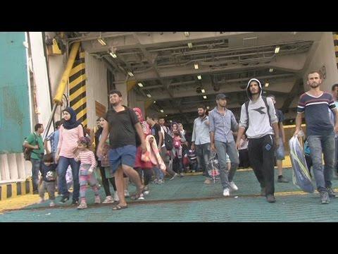 Στον Πειραιά το Ελ. Βενιζέλος με 2.485 πρόσφυγες