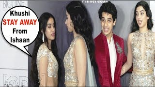 Video Jhanvi Kapoor FIGHT With Sister Khushi Kapoor For Getting Close To Ishaan Khattar MP3, 3GP, MP4, WEBM, AVI, FLV Oktober 2018