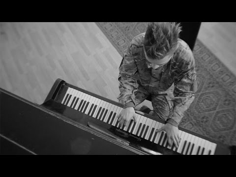 Музыка воинов: гранатометчик Пианист сыграл Лунную сонату