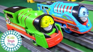 Video Which Thomas Trackmaster TURBO SPEED Engine is the Fastest? | Thomas and Friends Train Races MP3, 3GP, MP4, WEBM, AVI, FLV Juni 2019
