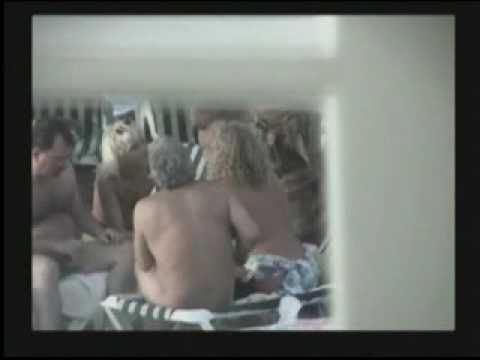 شاطى العرى - Bob Stern's Naked Beach (PG version) filmed at Hedonism 3 in Jamaica in 2001. Brief and subdued nudity is included here but the naked have been protected. Yo...