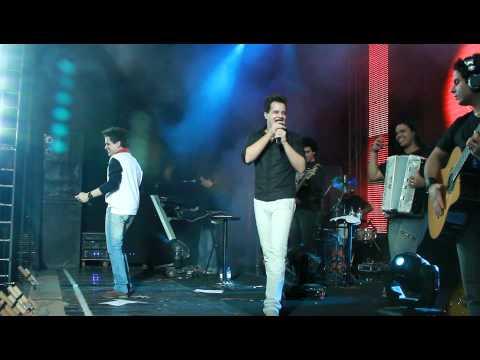 03-07-10 João Neto e Frederico em Tapurah - MT cantando Delegada
