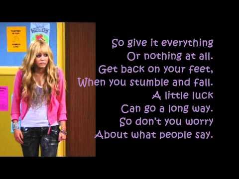 Tekst piosenki Hannah Montana - Ordinary girl po polsku