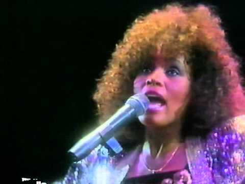 Whitney Houston – The Greatest Love Of All (London, Wembley, 1988)