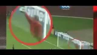 Video Penampakan Hantu di pertandingan sepak bola ( seram) MP3, 3GP, MP4, WEBM, AVI, FLV Oktober 2017