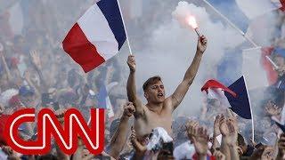 Video France celebrates 4-2 World Cup win over Croatia MP3, 3GP, MP4, WEBM, AVI, FLV September 2018