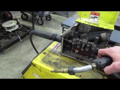 AM15412 ESAB 353CV Welder & Wire Feeder V1