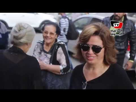 إلهام شاهين تدلى بصوتها فى لجنة بمصر الجديدة: «الإقبال ضعيف»