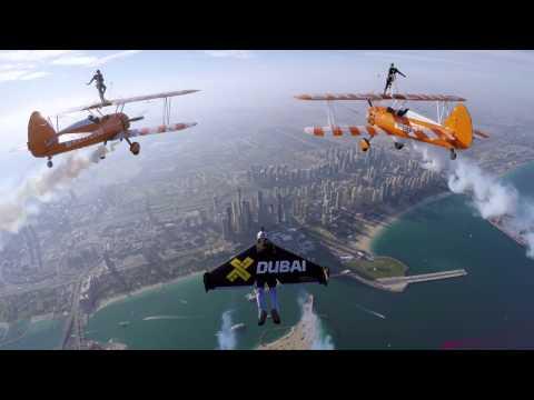 Unbelievable Jetman Flight with Wingwalkers