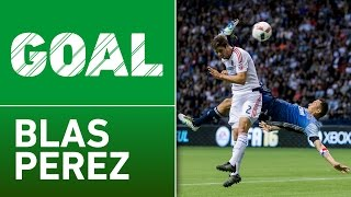 GOAL: Blas Perez scores a stunning bicycle kick by Major League Soccer