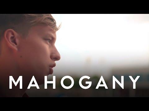 Budapest – Mahogany Session