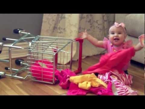 "Harlem Shake BABY Does ""Thrift Shop Song"""
