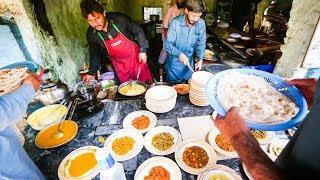 Best Street Food at Pakistan University - CRISIS OMELET in Islamabad | Pakistani Food Tour!