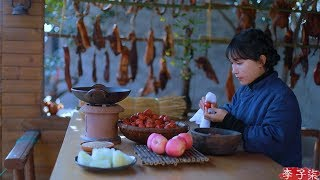 Video Peanut and melon seeds, dried meat, dried fruit, snowflake cake - snacks for Spring Festival MP3, 3GP, MP4, WEBM, AVI, FLV Agustus 2019