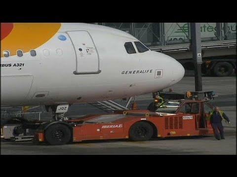 Flughafen Barcelona: Die Belegschaft der Fluggesellsc ...