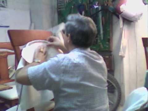 Tapizar sillas con respaldo videos videos relacionados - Como tapizar una silla con respaldo ...