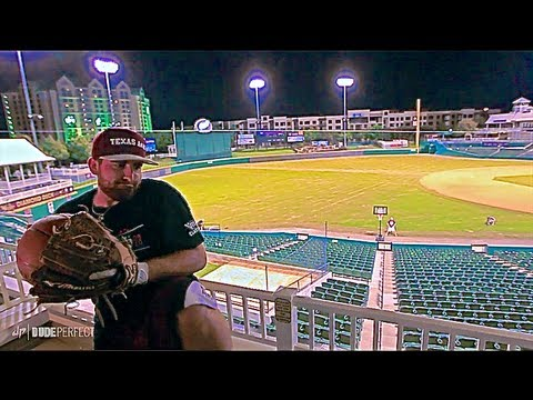 BASEBALL EDITION | Dude Perfect