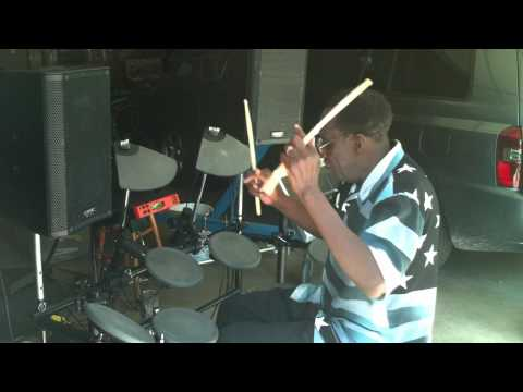 Aaron Purdie get'in down on the Electronic kit
