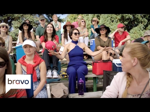 Girlfriends' Guide to Divorce: Abby Enters the World of Baseball Moms (Season 3, Episode 2) | Bravo