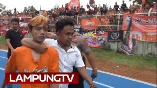 Video Suporter Main Tonjok di Laga Persija - Lampung All Star MP3, 3GP, MP4, WEBM, AVI, FLV April 2019