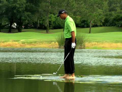 09 - As a response to a fan video from Tiger Woods PGA TOUR 08, Tiger Woods and EA SPORTS demonstrate that the 