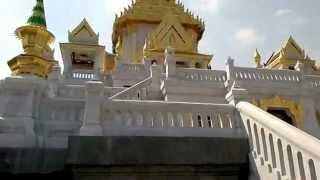 バンコク市内観光ワットトライミット