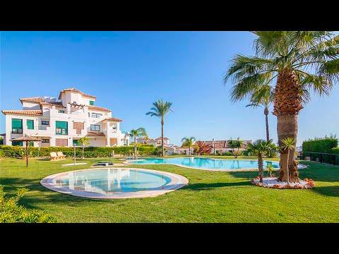 Таунхаус с большим участком в Сьерра Кортине/Недвижимость в Бенидорме/Дома и виллы в Испании у моря