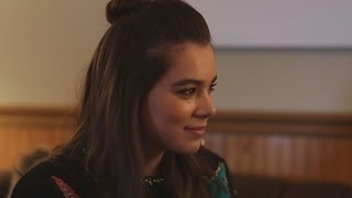 Nonton Hailee Steinfeld Talks  Ten Thousand Saints    Pitch Perfect 2    Barely Lethal  And More Film Subtitle Indonesia Streaming Movie Download