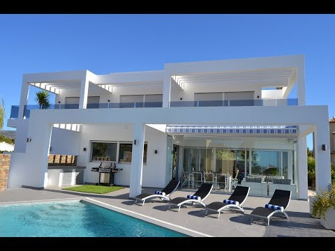 Delightful high-tech villa with panoramic sea views in Calpe. Modern homes in Spain
