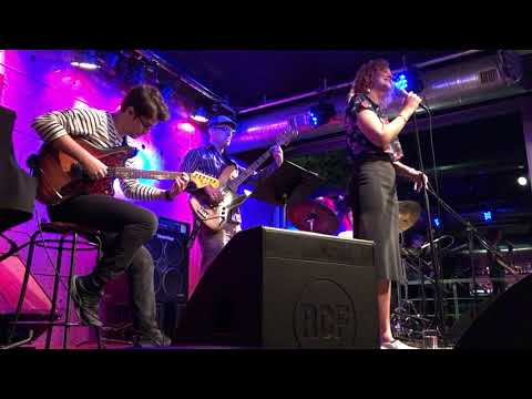 Luiza Meiodavila | Noite de Abril (Live at Jazz Dock • Prague)