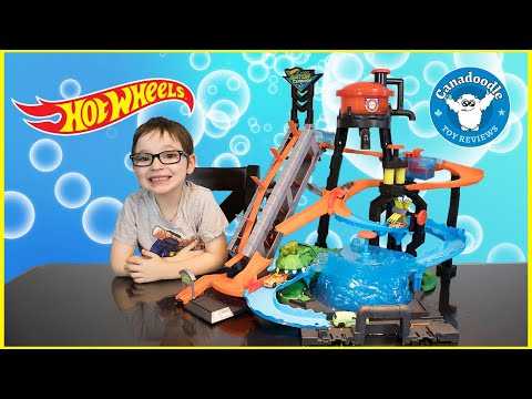 Ultimate Gator Car Wash   Hot Wheels Color Shifters with Canadoodle Toy Reviews