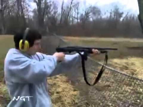 Idiotas con una escopeta de caza