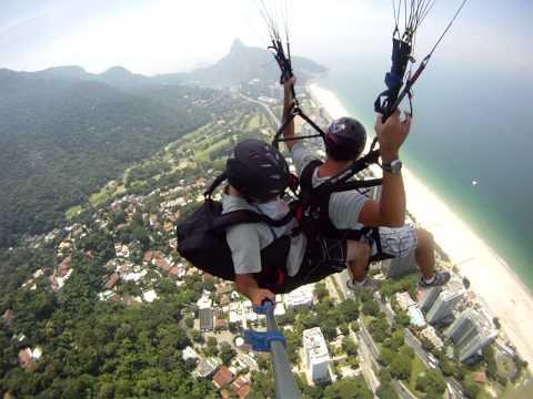 Salto de Paraglider Leonardo Moutinho - Pedra Bonita - Praia de São Conrado