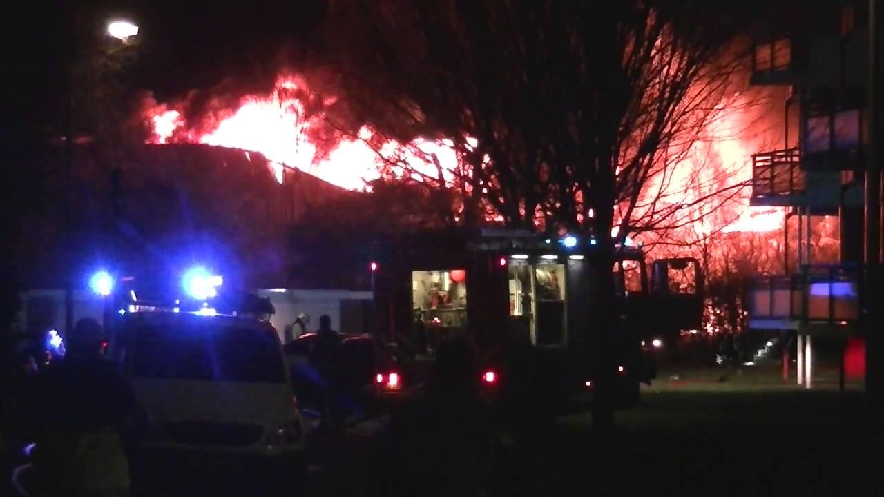 Zeer grote brand aan de Turbinestraat