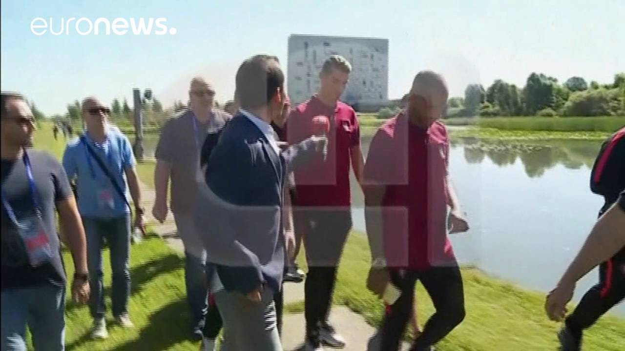 Ronaldo throws away reporter's microphone