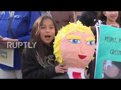 USA: 'Hands off Syria' - Protesters march in LA to denounce US airstrike on Homs base (видео)