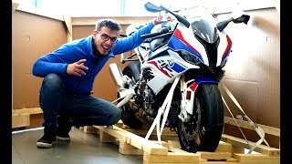 4. 2019 BMW S1000RR - Unboxing & Start-Up | 207 HP RRocket Sound!
