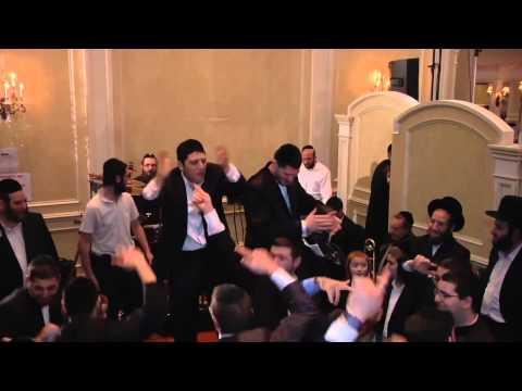 Hasidic Jews going Gangnam style HD