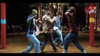 Nenu Pakka Julayi Song Lyrics from julayi - Allu Arjun