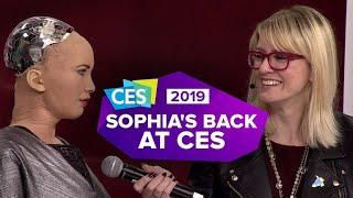 Video CES 2019: Sophia the Robot is back, and she brought Little Sophia MP3, 3GP, MP4, WEBM, AVI, FLV Juni 2019