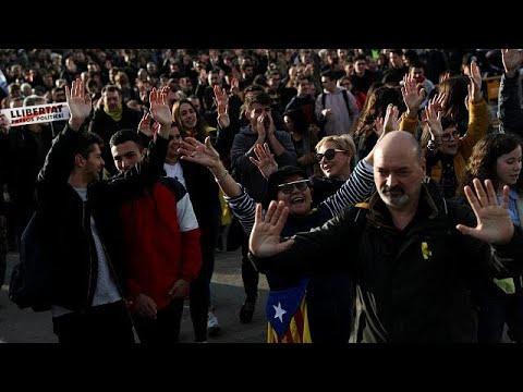 Καταλονία: Συνεχίζονται οι κινητοποιήσεις υπέρ του Κάρλας Πουτζντεμόν…