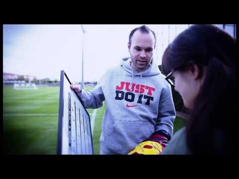 Watch video Síndrome de Down: Anna Vives y Andrés Iniesta