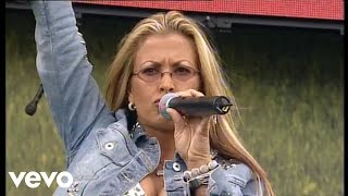 """Anastacia performs """"Not That Kind of Girl""""http://vevo.ly/2VS3G6"""