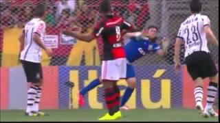 Assistam ao gol de Wallace na vitória do Flamengo sobre o corinthians pela 21ª rodada do brasileirão 2014