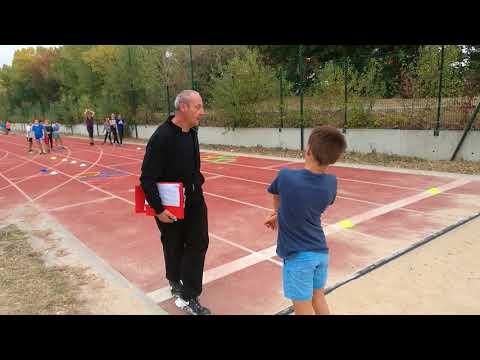 Apprentissage du saut en longueur pour les BE avec Gillian ! (2)