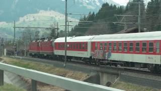"""SBB Re 4/4 II """"11200"""" & """"11226"""" mit DB Nachtzug unterwegs bei Mülenen [26.03.11]"""
