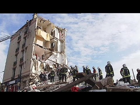 Paris'te bina çöktü: En az 2 ölü
